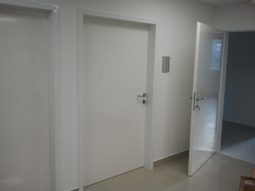 Drzwi szpitalne